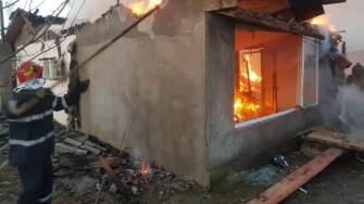 Incendiu la Făclia. FOTO ISU Dobrogea
