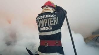Pompierii au intervenit la incendiu. FOTO ISU Dobrogea