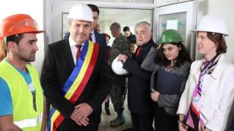 Valentin Vrabie, primarul din Medgidia și Abigail Rupp, adjunctul ambasadei SUA la București. FOTO Adrian Boioglu