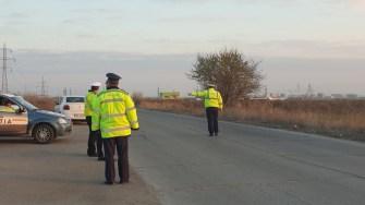 Mai mulți participanți la trafic au fost verificați de către polițiști. FOTO IPJ Constanța