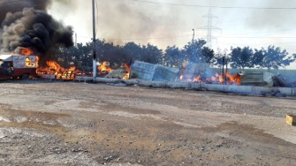 Baracile din lemn au ars ca torțele. FOTO ISU Dobrogea