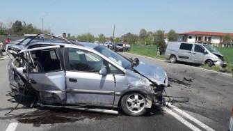 În urma manevrei a rezultat un accident în lanț. FOTO IPJ Constanța