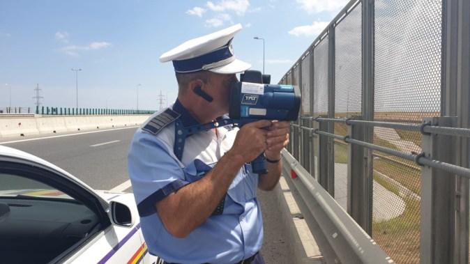 Polițiștii au ieșit cu aparatele radar pe șosele. FOTO IPJ Constanța