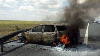 Autoturismul a luat foc imediat după impact