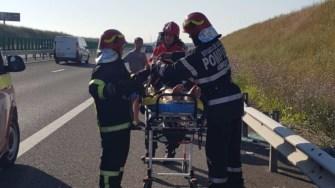 Pompierii au scos victimele din mașină și le-au predat echipajelor medicale. FOTO ISU Dobrogea
