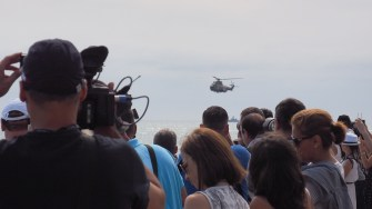 Pe faleza din Constanța s-au adunat aproximativ 18.000 de persoane se vadă festivitățile de Ziua Marinei. FOTO Cătălin SCHIPOR
