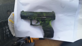 Pistolul de airsoft. FOTO CTnews.ro