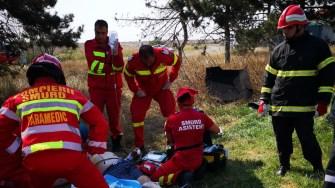 La locul producerii accidentului au intervenit mai multe echipaje medicale și pompieri. FOTO SAJ Constanța