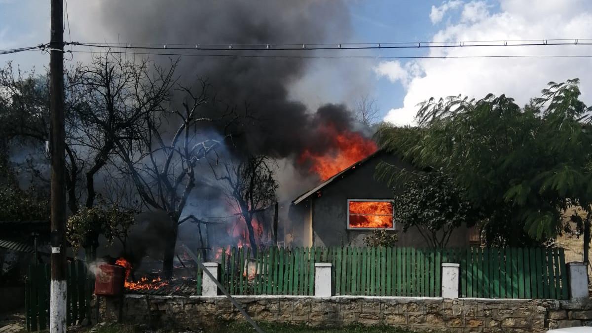 incendiu casa Negureni isu (1)