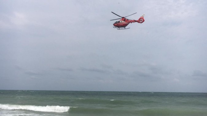 Elicopterul SMURD a intervenit la pacientul inecat la Costinesti FOTO Arhiva CTnews.ro