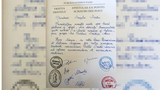 """O ediție limitată a """"Publius Ovidius Naso – Tristele și scrisori din Pont'' a fost primită de Primăria Ovidiu. FOTO Primăria Ovidiu"""