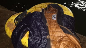 Scafandrii au recuperat haina muncitorului. FOTO CTnews.ro