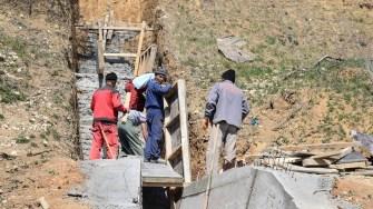 Au demarat lucrările de consolidare a malului de pământ din zona comunei Cumpăna. FOTO Primăria Cumpăna
