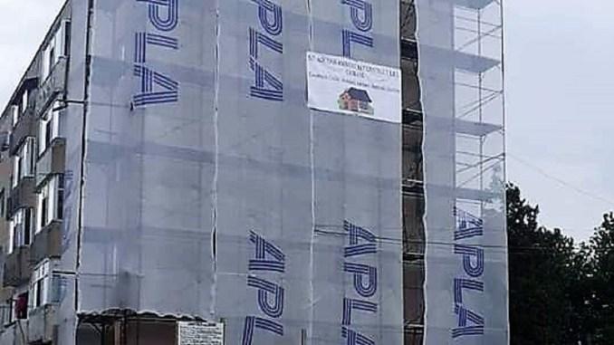 Primăria Hârșova a început reabilitarea blocului P4 din cartierul Soveja. FOTO Primaria Harsova