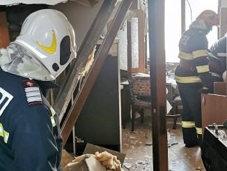 Trei răniți după explozia unei butelii într-o clădire din Constanța. FOTO ISU Dobrogea