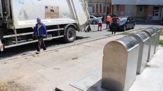 Mașină de gunoi în Cernavodă. FOTO Adrian Boioglu