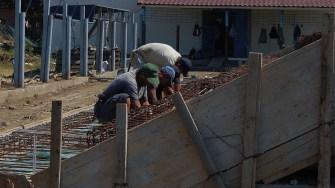 Lucrări la stadionul din Hârșova. FOTO Paul Alexe