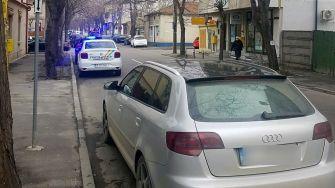Zeci de sancțiuni contravenționale, aplicate de polițiștii locali pentru parcări și staționări ilegale. FOTO DGPL