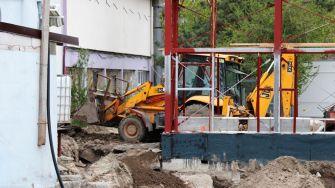 Lucrările pentru extinderea Delfinariului sunt în plină desfășurare. FOTO Adrian Boioglu