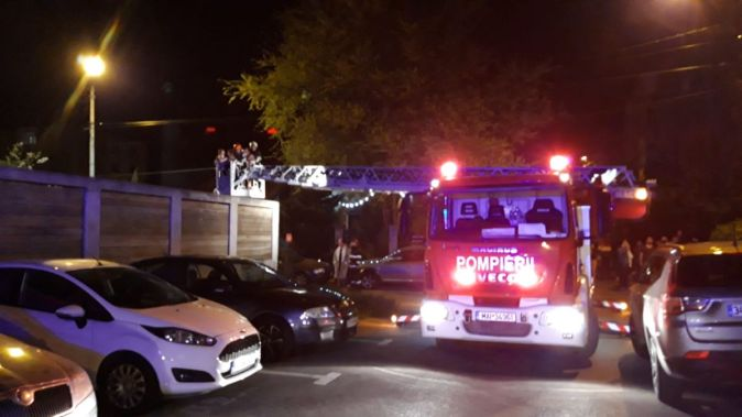 """Incendiu într-un apartament de pe bulevardul IC Brătianu. FOTO ISU """"Dobrogea"""""""