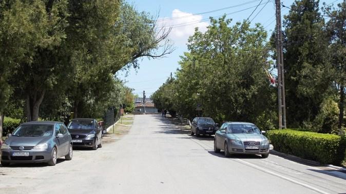 Stradă din comuna Mihai Viteazu. FOTO Paul Alexe