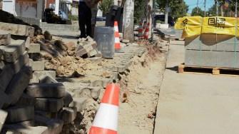 Primăria Cernavodă modernizează trotuarele. FOTO Paul Alexe