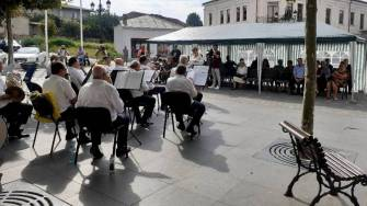 Cuplurile care au împlinit 50 de ani de căsătorie, sărbătorite de Primăria Cernavodă. FOTO Facebook Casa de Cultură Cernavodă