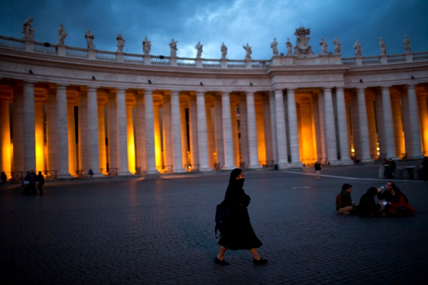 Pope creates commission of inquiry into Vatican finances