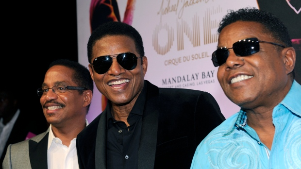 Jacksons attend premiere of Michael Jackson ONE