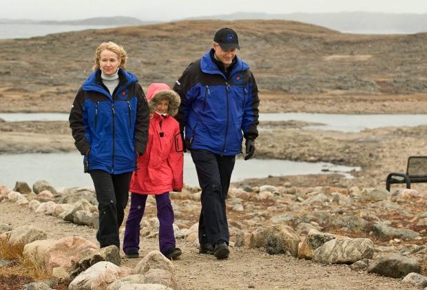 Stephen Harper, Laureen, Rachel in Nunavut in 2008
