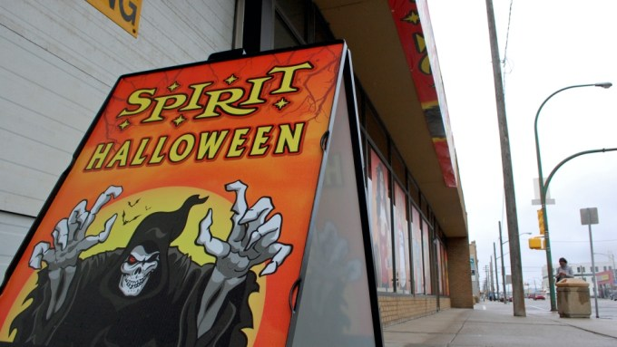 no plans to pull indigenous themed costumes off shelves spirit