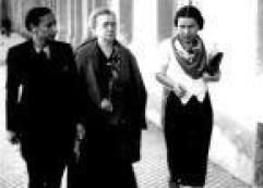 Lucía Sánchez, de Mujeres Libres, con Emma Goldman.