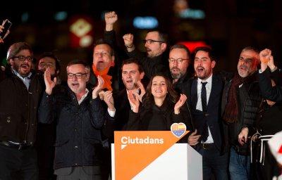 la-plana-mayor-de-ciudadanos-celebra-su-victoria