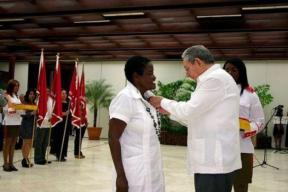 Julia Labrada recibió hace menos de un año la dsitinción de Heroína de la República de Cuba
