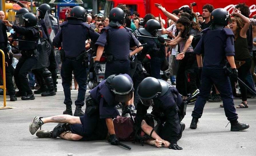 https://i1.wp.com/www.cubadebate.cu/wp-content/gallery/indignados-en-barcelona/protestas-barcelona14.jpg