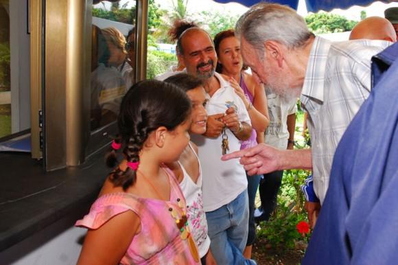https://i1.wp.com/www.cubadebate.cu/wp-content/uploads/2010/07/fidel-en-el-acuario-003-580x386.jpg