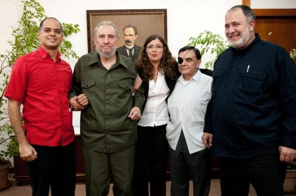 Fidel con periodistas venezolanos. Foto: Roberto Chile