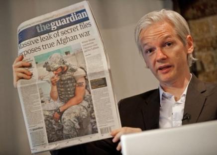 Julian Assange, fundader de Wikileaks en Londres. Foto: AFP