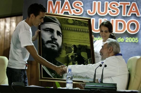 Encuentro de Fidel Castro con universitarios. Foto: Roberto Chile