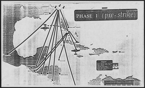Plan original de la invasión de Playa GirónDrawings from General Maxwell Taylor's report on the Bay of Pigs operation:  Pre-Strike and Post-Strike;