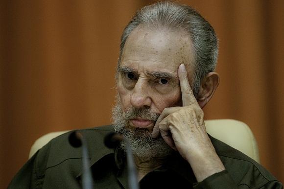 Fidel en la asamblea nacional 2010. Foto: Roberto Chile