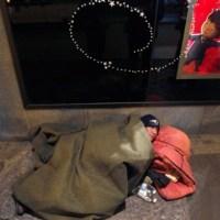 Con los pobres de la Tierra: en fotos, homeless del mundo