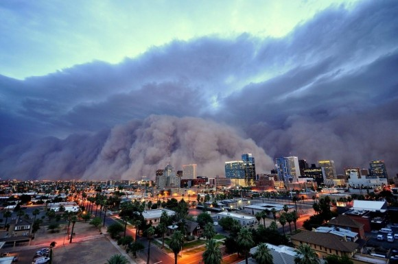 Una tormenta de polvo monstruosa (Haboob) atravesó Phoenix, Arizona en julio.