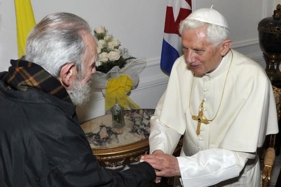 Fidel Castro y Benedicto XVI en la sede de la Nunciatura Apostólica. Foto: Estudios Revolución/ Cubadebate
