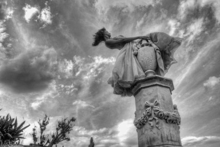 La Copa del amor, panteón erigido en el cementerio de Gibara, es el monumento más célebre de esta ciudad costera. FOTO/Juan Pablo CARRERAS