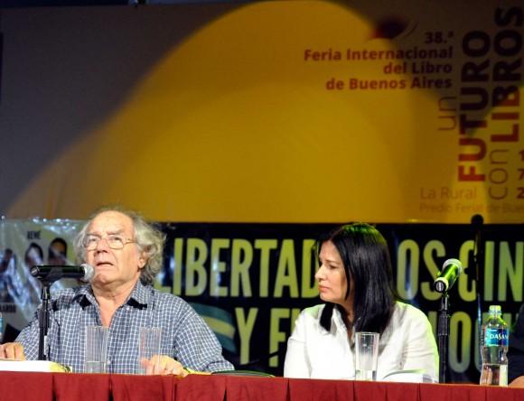 Katiuska Blanco en la presentación del libro en Buenos Aires. Foto: Kaloian