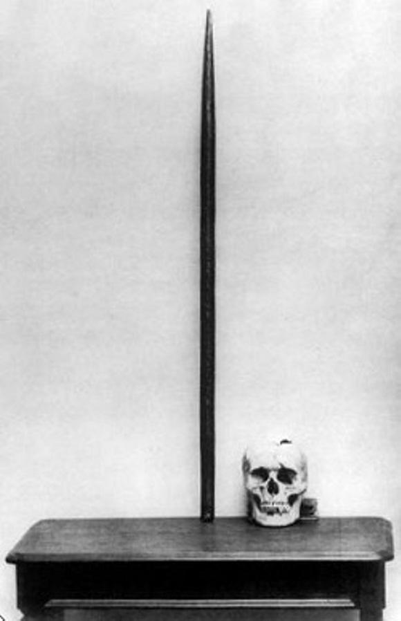El craneo de Phineas Gage y la barra de hierro expuestos en Harvard Foto: Tecnoculto