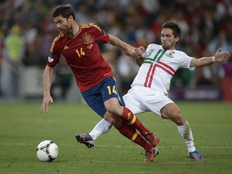 Xabi Alonso fue uno de los mejores del cuadro español. Foto: AFP