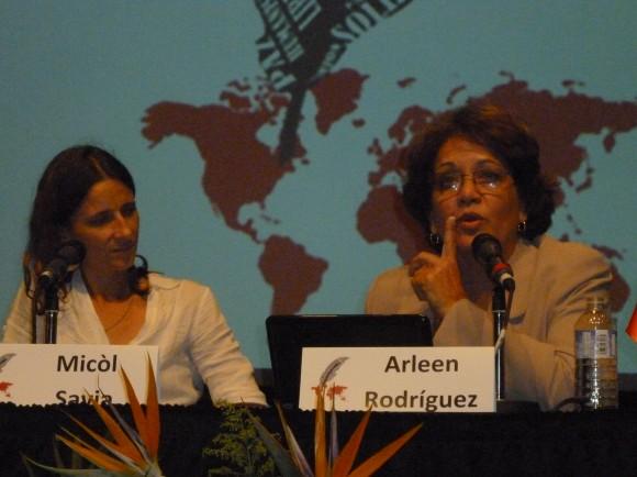 Micol Savia y Arleen Rodríguez. La enviada especial de Cubadebate expuso, desde la experiencia de una mujer cubana nacida en 1959, el alcance y significado de las conquistas de los derechos de género en Cuba a partir del Triunfo de la Revolución.