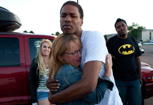12 muertos y 50 heridos, saldo de la matanza. Foto: Los Angeles Times